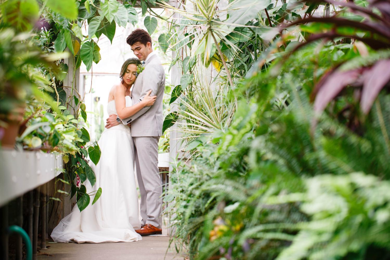 hugs in greenhouse 3